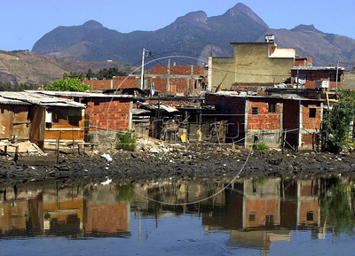 Favela Fiocruz, Rio de Janeiro, Brazil, August, 2002. (Austral Foto/Renzo Gostoli)