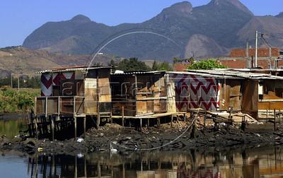 Rio de Janeiro, 28/08/2002 - Fiocruz, favela. ( Renzo Gostoli/Austral Foto)