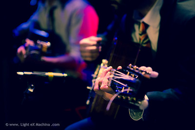 Paris Lindy EXchange - saturday party - hand of guitarist