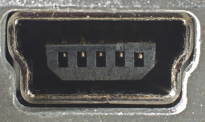 "USB connection port on a CF card reader; this image can also be displayed on a 30"" monitor without loss of detail."