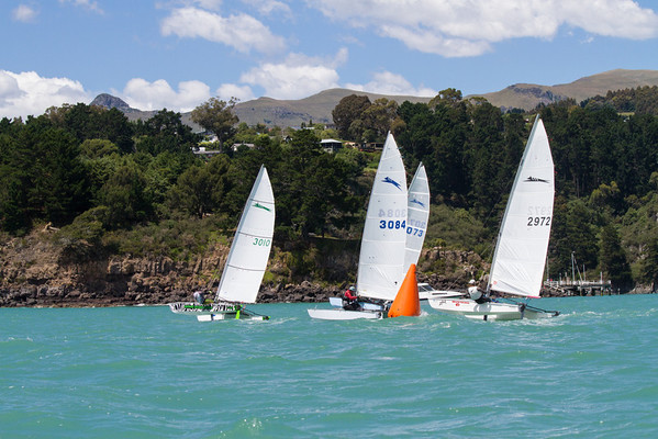 The top four bunched at the bottom mark at the end of two rounds, Race 1.