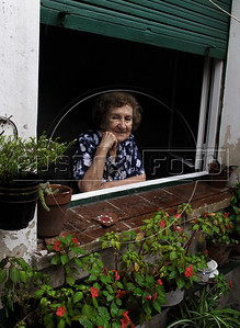 Giulia Gostoli at home in San Telmo district, Buenos Aires, Argentina, January 2, 2009. (Austral Foto/Renzo Gostoli)
