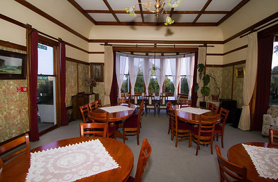 Large dining room Bushy Park  --- Paul Willyams Photography