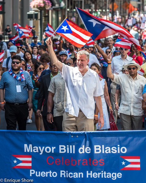 New York Mayor de Blasio in Puerto Rican Day Parade