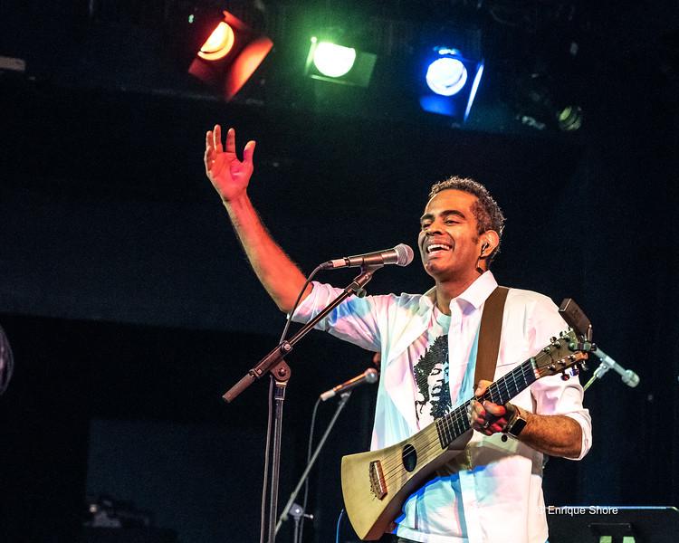 Brazilian musician Jair Oliveira at New York concert