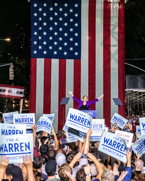 Democratic Presidential candidate Elizabeth Warren cheered at campaign rally, New York, USA