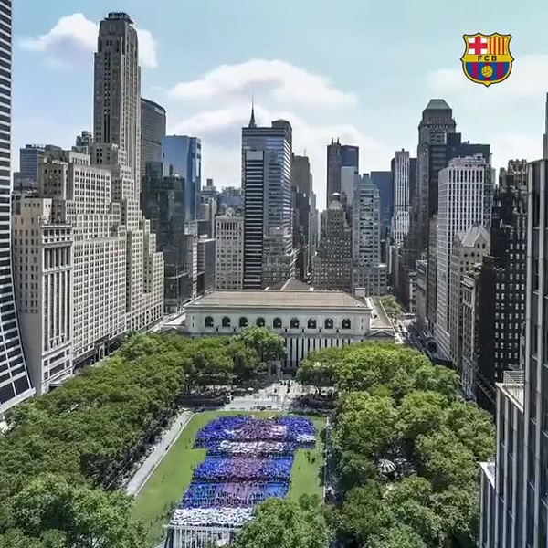 TIMELAPSE: Football Club Barcelona fans form a giant jersey in New York city
