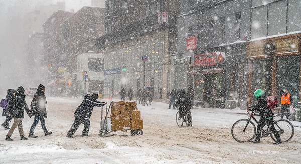 Heavy snowstorm hits New York city