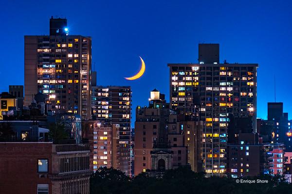 Moonset over Manhattan
