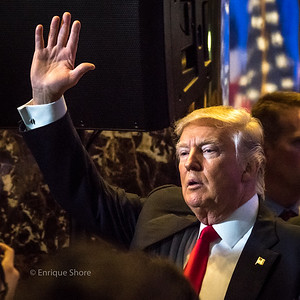 Trump waves as he leaves press conference in New York