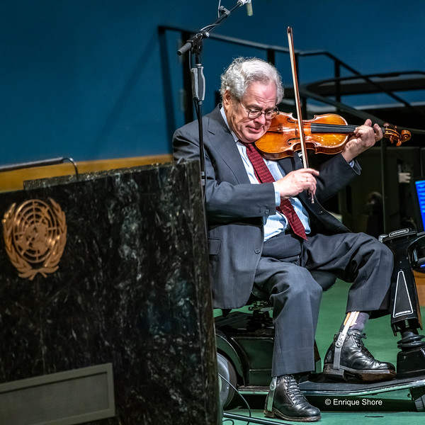 Itzhak Perlman plays at the UN International Day of Commemoration in Memory of Victims of the Holocaust, New York, USA