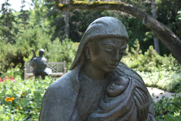 Mother and Child, Leo Mol Sculpture Garden