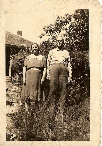 Viola and Dan Maddox - Dan\'s father\'s mother\'s parents.