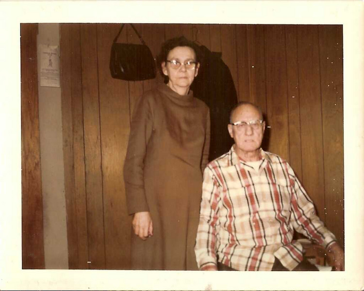 Inez and Wilbur Snell - Kristi\'s grandparents on mother\'s side