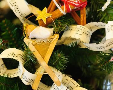 20151215 Faith Formation Christmas Tree-6105