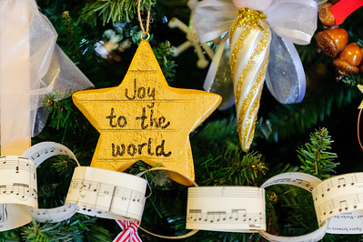 20151215 Faith Formation Christmas Tree-6082