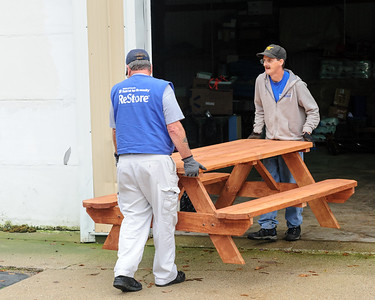 20161017 Habitat Picnic Tables Pickup-05474