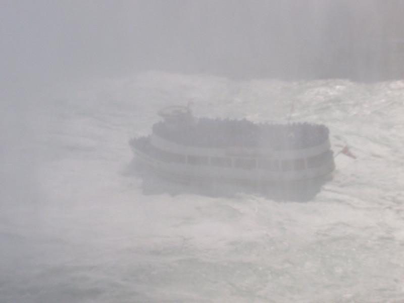 IIIIIIIITTTTTTTTTSSSSS STORMIE!!!!!! um if you squint you can see a boat!!!