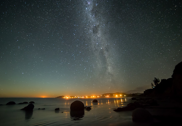 Frankieboy Photography    The Beach At Night    Moeraki New Zealand