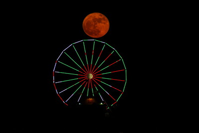Galveston_SuperMoon_Pleasuer_Pier_Moon_Over_Ferris-wheel_D71_6849