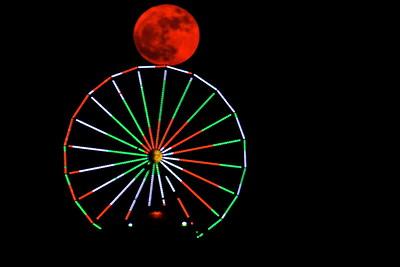 Galveston_SuperMoon_Pleasuer_Pier_Touching_Wheel_D71_6847 - Copy