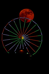 Galveston_SuperMoon_Pleasuer_Pier_moon_in_wheel_D71_6843 - Copy
