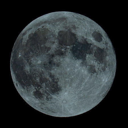 Full - Strawberry Moon 99.9% illuminated taken 5th June 2020 at 11:50pm BST