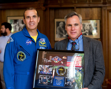 Astronaut Rick Mastracchio speaks at Morning Meeting