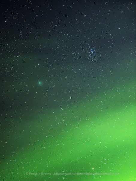 Comet 46P Wirtanen and Northern Lights
