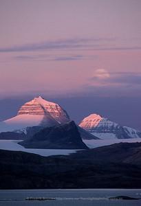 Kongsfjorden by Night, Svalbard
