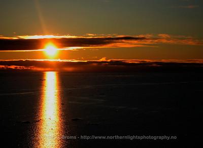 Midnight Sun, Kongsfjorden, Svalbard