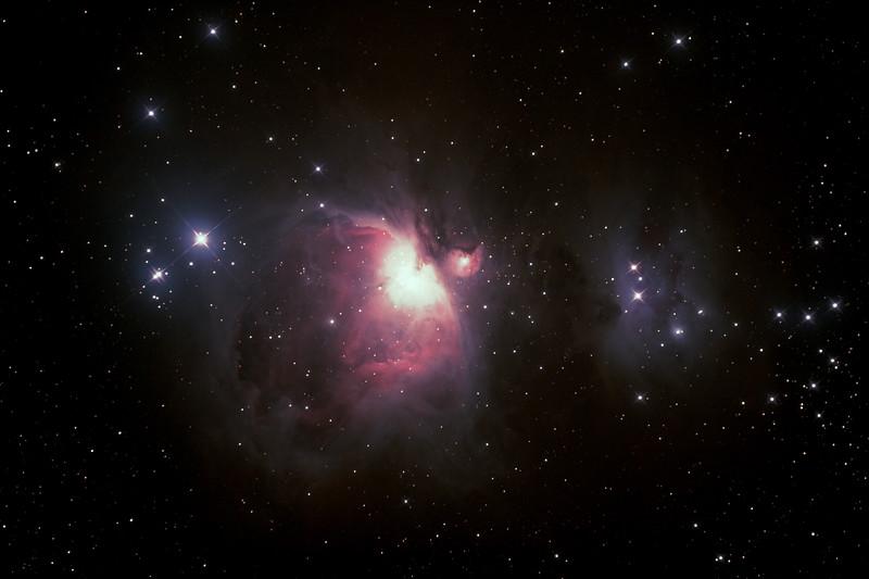 Messier M42 - NGC1976 Orion Nebula and NGC1977 Running Man Nebula - 26/08/2020 (Processed stack)