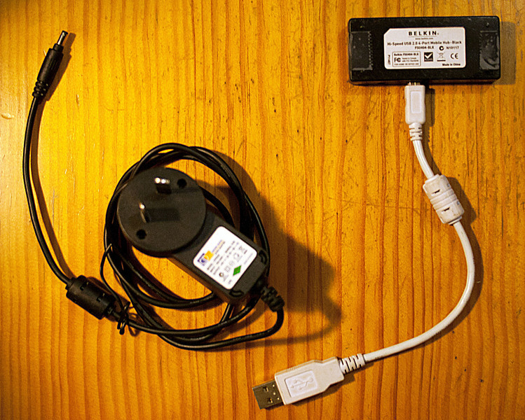 Belkin 4-port USB 2.0 hub with A/C power