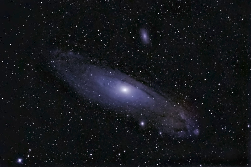 M31 Andromeda Galaxy, 19 February 2007 <br /> Unguided, prime focus ED80 refractor, Nikon D200<br /> ISO 800, 20 x 180 sec exposure, 3 dark frames