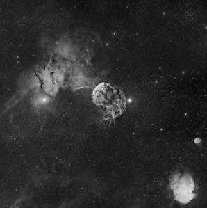 Jellyfish Nebula and Monkey Nebula Mosaic  Mosaic: 9 panel Instrument: Takahashi 106 Fsq f/5 on Gemini G42 + ccd KAI 4021 + H-alpha filter 5nm Exposures: Ha 6x30' (1x1) each panel  Date: dicember 2012