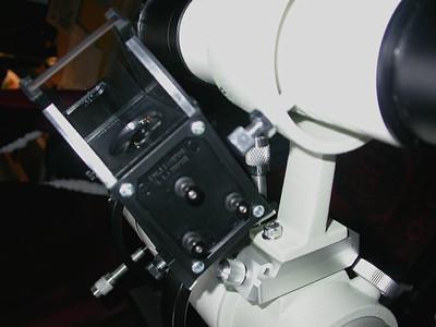 Mit den drei hinteren Schrauben wird das Telrad genau ausgerichtet
