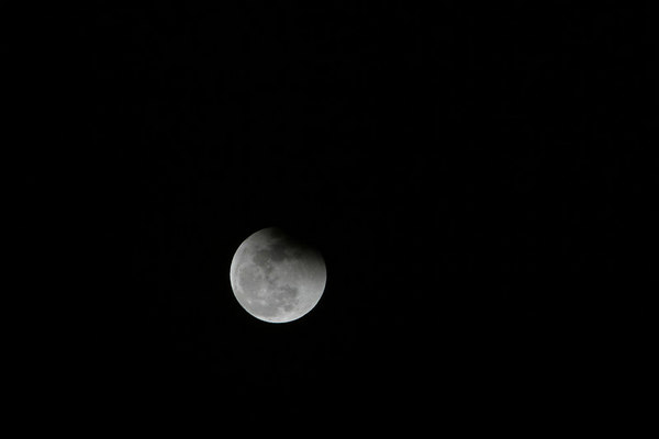 Lunar Eclipse (unedited) 20070303