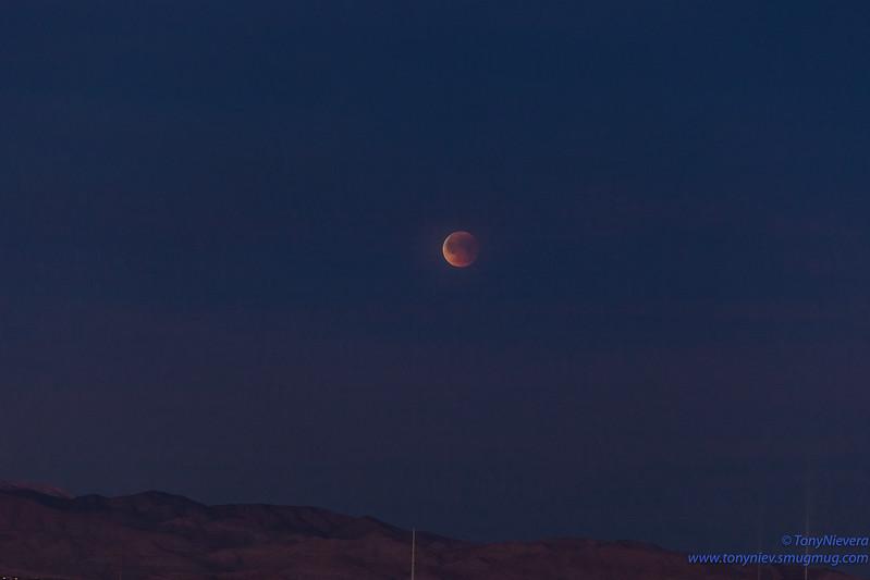 IMAGE: https://photos.smugmug.com/Astronomy/Lunareclipse-Jan-31-2018/i-xSNVNKV/0/517f9bdd/L/IMG_2717-L.jpg