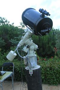 """Haziran 2012 Update : Meade 12"""" f/10 teleskobu Alt-Azm çatallı kundağından çıkartıp bir OTA haline getirdim. Teleskop tüpü NJP kundağın üzerinde hassas kutup ayarı yapılmayı bekliyor."""