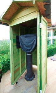 Mobil gözlem kulübesinin içindeki sabit kundak ve ona bağlı teleskop