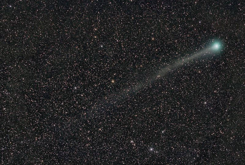 Comet Lovejoy 2014<br /> 135mm f2 lens at f2.8, 17x2min, 1600 ISO, Canon 6d. with Polarie tracking mount.<br /> Taken by Lynn Hilborn from Apollo Beach, Canaveral National Seashore, January 7,2015