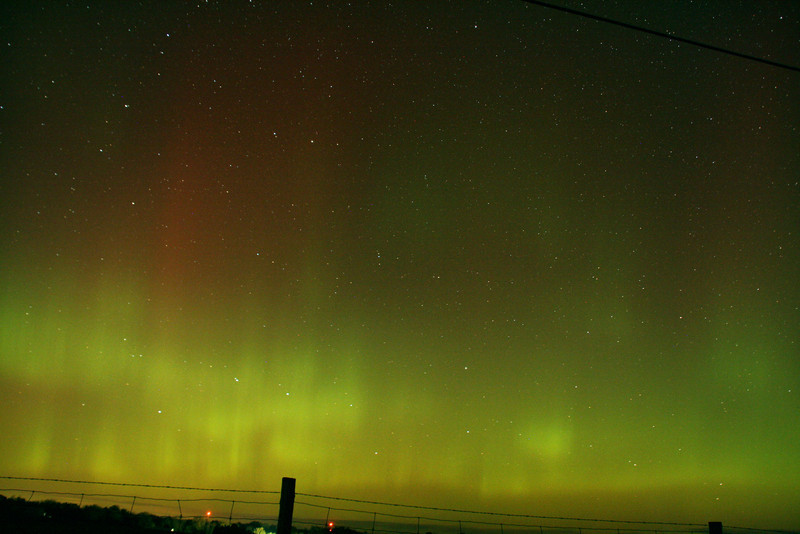 Aurora at Grafton, Oct 24.2011  f4.5 18mm 1600 iso  45 sec.