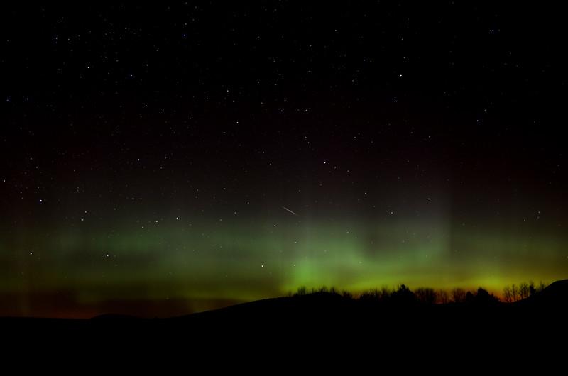 Meteor and Aurora borealis as seen from Gabriels, NY on November 14, 2012