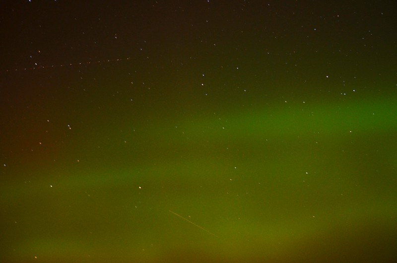 Meteor passing through Aurora from Gabriels, NY, 10/8/2012