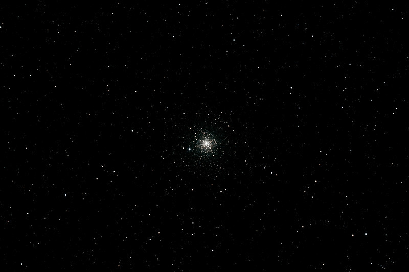 Caldwell 93 - NGC6752 - Globular Cluster in Pavo - 10/10/2012 (Processed stack)