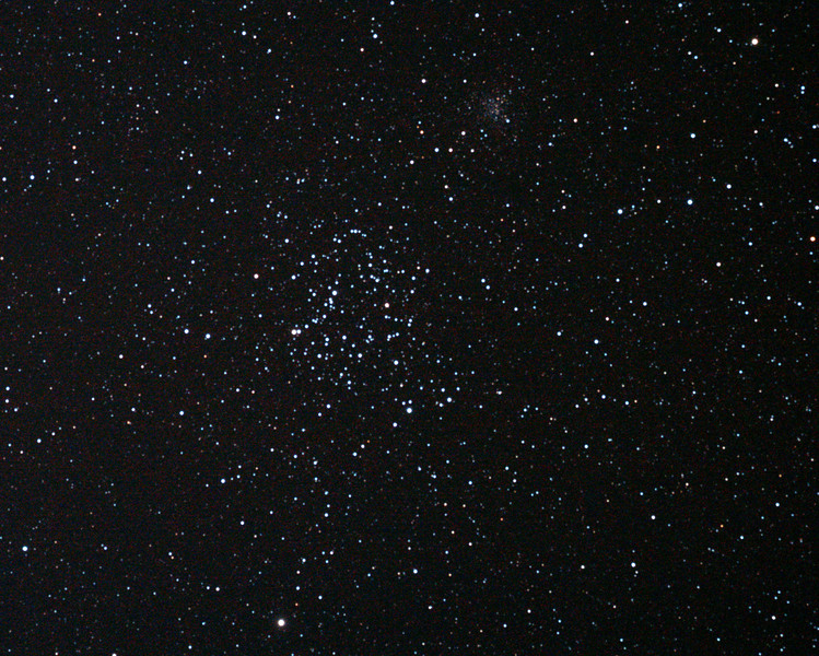Messier M35 - NGC2168 and NGC2158 - Open Clusters in Gemini 19-11/2011 (Reprocessed cropped stack)