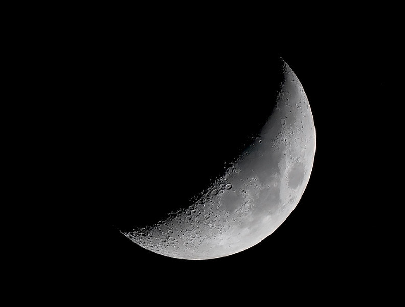 Waxing Crescent Moon - 10/10/2013 (Processed cropped and rotated stack)