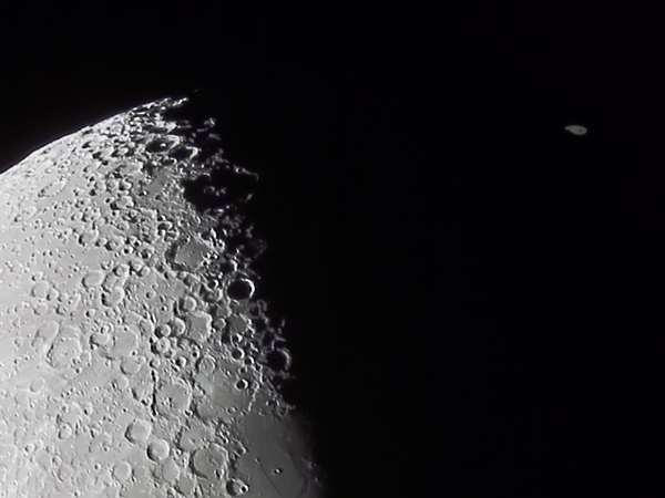 Occultation of Saturn by The Moon - 4/8/2014 18:15 (Processed cropped stack)