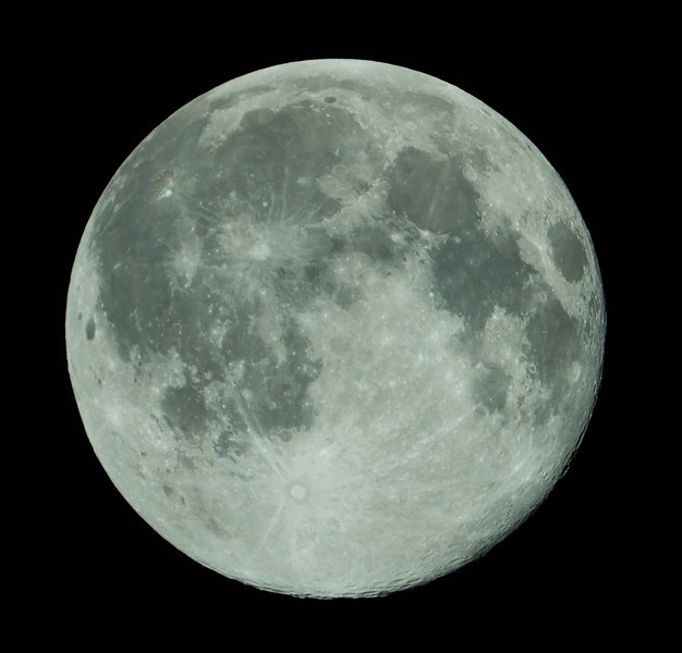 Black Friday Full Moon - 13/06/2014 (Processed cropped image)