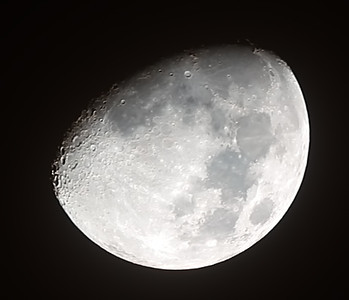 Waxing Gibbous Moon - 15/10/2013 (Processed cropped stack)